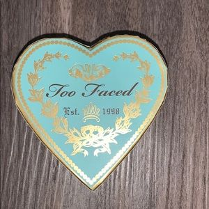 Too Faced Sweet Tea bakes bronzer